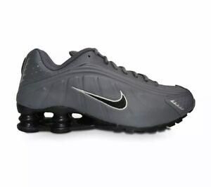 Nike-Shox-R4-GS-CU1721-001-Scarpe-Da-Ginnastica-Misura-UK-5-nella-casella-Nuovo-di-Zecca
