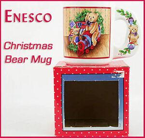 Vintage-ENESCO-Ceramic-Christmas-TEDDY-BEAR-Mug-TOY-TRAIN-WREATH-Mint-in-Box