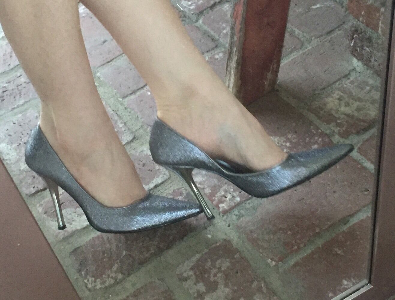SiLvER SPaRkLe Sz 6 Pointy HolidaY Toe CARRIE Stiletto Heel PUMP GuESS HolidaY Pointy Party af2ad0