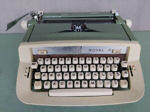Royal Sabre Green Manual Typewriter 1970s w/ Manual & Original Carry Case