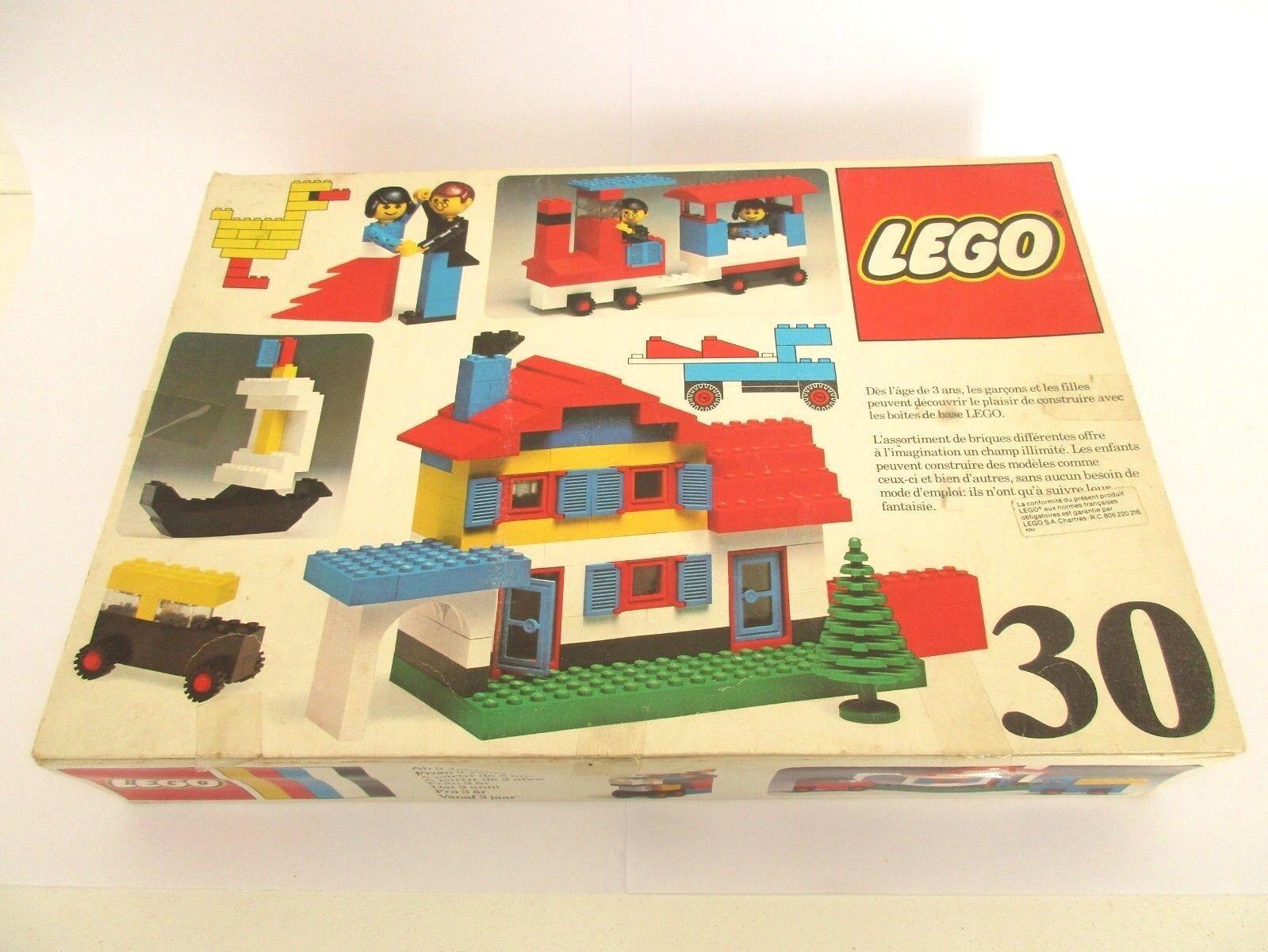 Boite LEGO 30 Universal Building Set - Coffret LEGO Vintage 1976
