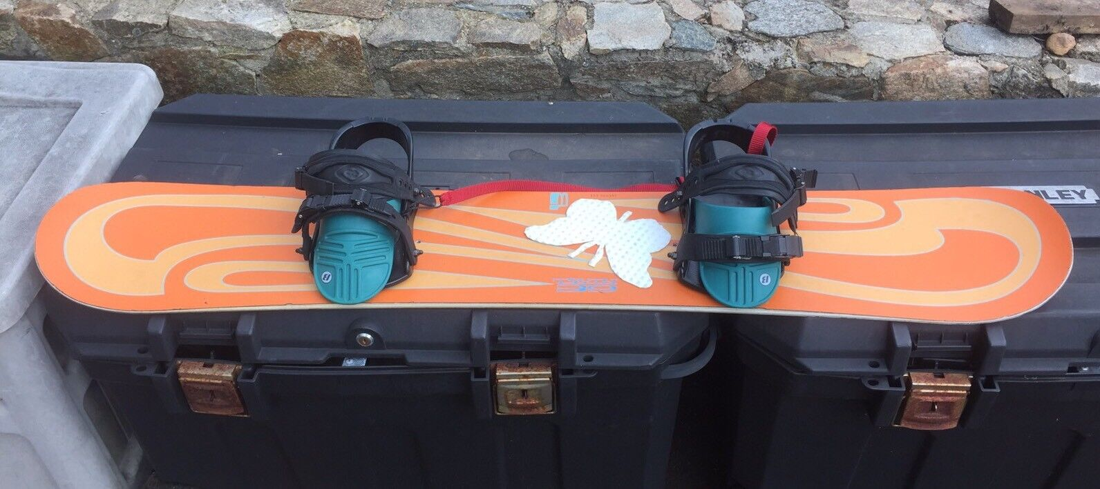 Vintage Burton Twin 39 Snowboard Butterfly 55  Long With Burton Bindings