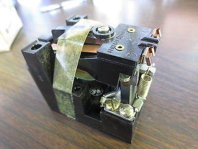 NEW SURPLUS 10A 24V 60Hz GENERAL ELECTRIC CR2790E100C8 GENERAL PURPOSE RELAY