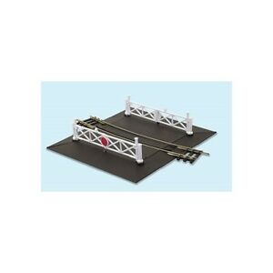 Curved-No-2-rad-Level-Crossing-complete-2-ramps-4-gates-Peco-ST-261-F1