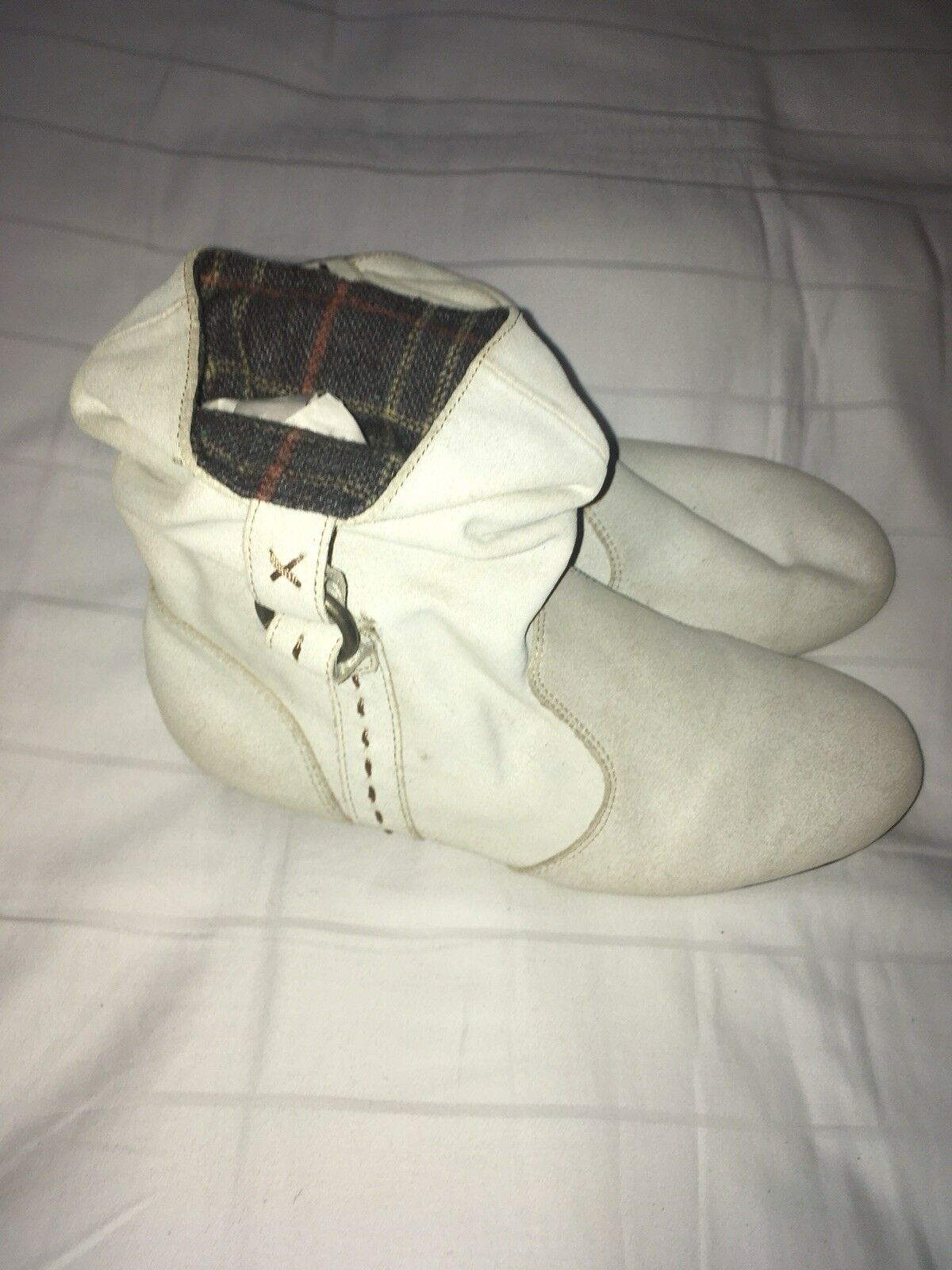 Kenzie Beware Booties White Ivory Leather Size 7.5 NEW Plaid Flannel Lined Cuff