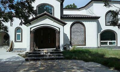 Al norte a espaldas de VERSALLES, casa amplia con gran terreno huerta La Gloria