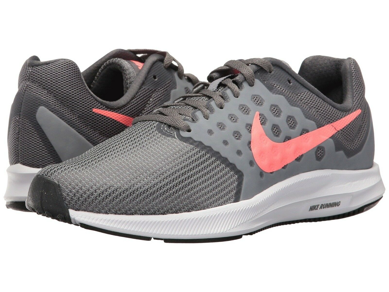 Neu in Box Damen Nike Downshifter 7 Laufschuhe Mittlere und 2E Breit Revolution