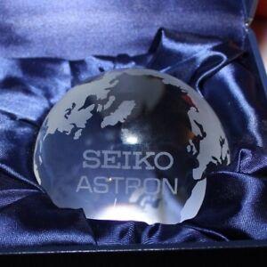 SEIKO-ASTRON-GLOBE-WORLD-GLASS-PAPERWEIGHT-WATCH-PROMO-DISPLAY-DEALER