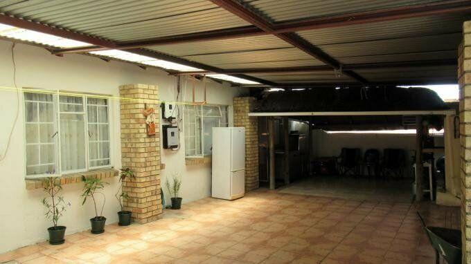 3 Bedroom with 3 Bathroom Duet For Sale in Rustenburg North West
