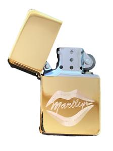 Personalisiert-Marilyn-Monroe-Lippen-Star-Gold-Anzuender-T48-Gravur-Gratis