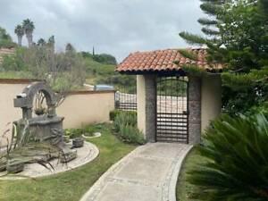 Venta de Casa con Gran Jardín en Vista Real Corregidora