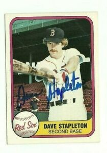 Dave-Stapleton-1981-Fleer-autographed-auto-signed-card-Red-Sox