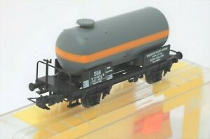 Liliput-251-HO-Scale-SWB-Tanker-Wagon-OBB-in-grey-and-yellow
