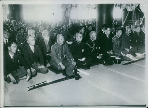 1931 Japan soldiers gathered together during Russo-Japanese War 8x10 photo