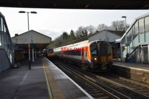 PHOTO-WINCHESTER-CITY-RAILWAY-STATION-V2-THE-PLATFORMS-WITH-A-SOUTH-WESTERN-RA