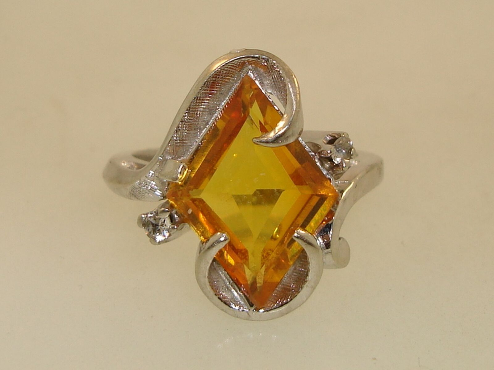 1940'S RETRO 10K WHITE gold APPROX. 4 CTW YELLOW SAPPHIRE RING  RARE CUT STONE