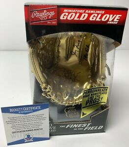 Greg Maddux Signed MLB Replica Mini Gold Glove Braves Cubs Beckett WE82743