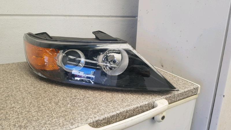 Kia sportage headlight