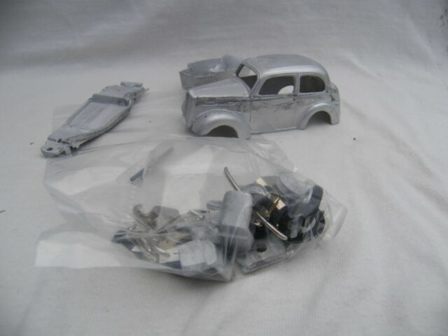 SOMERVILLE KITS - FORD ANGLIA EO4A 1947 1:43 SCALE WHITE METAL