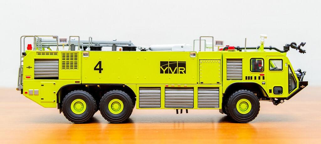 Seleccione de las marcas más nuevas como TWh Oshkosh Striker 3000 ARFF    YVR  camión de bomberos TWH078-01091  Descuento del 70% barato