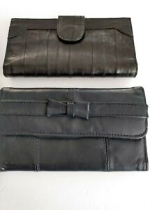 Two-Vintage-Ladies-Leather-Wallets-One-Blue-One-Black