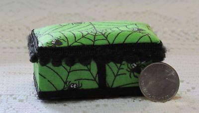 Miniature Stainless Steel Spider Web w//Spiders ROUND DOLLHOUSE 1:12