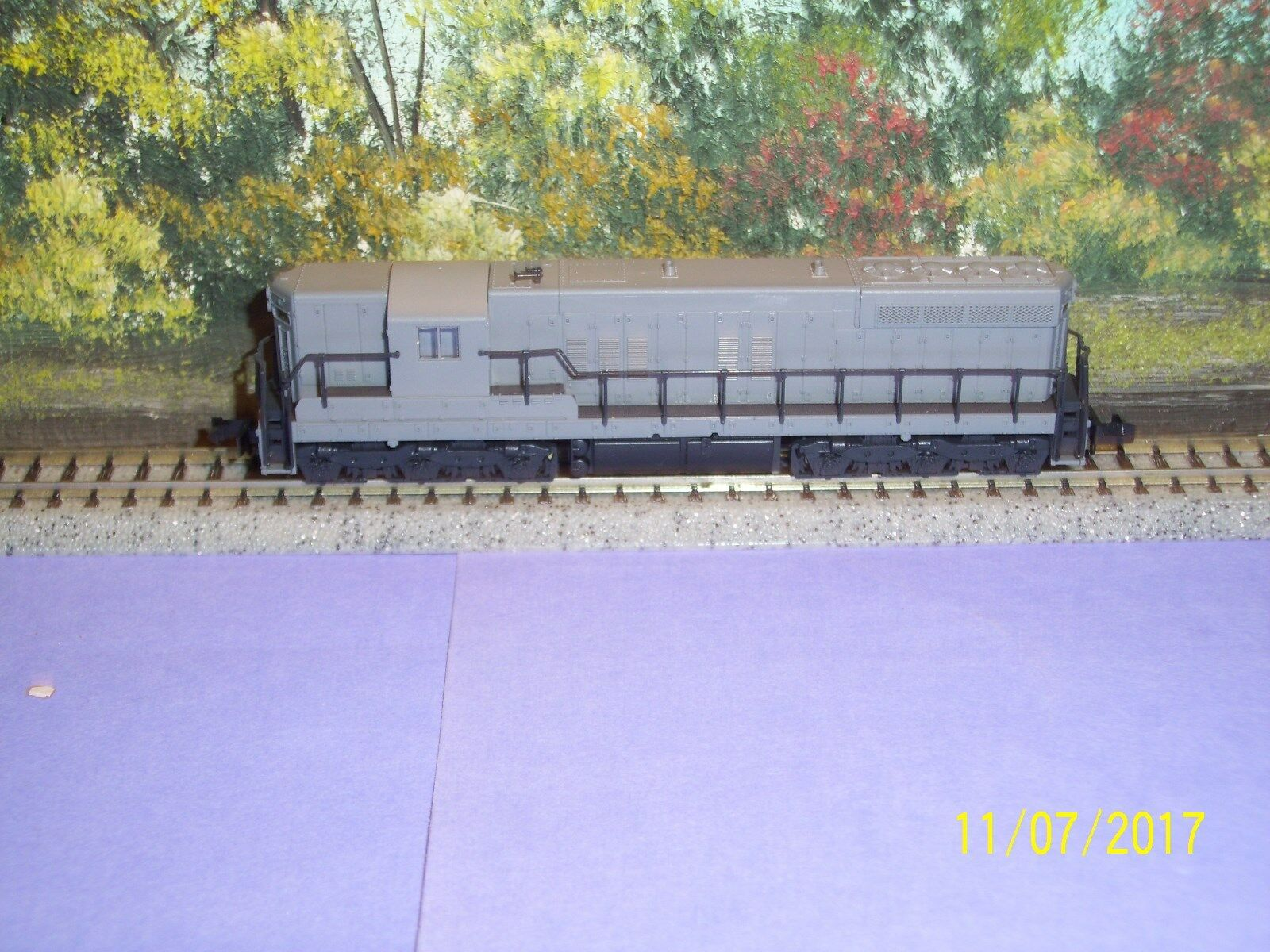 ATLAS/KATO N SCALE  4500 EMD SD 7 UNDECORATED