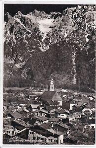 Ansichtskarte Mittenwald - Ortsansicht mit Kirche und Karwendel - schwarz/weiß