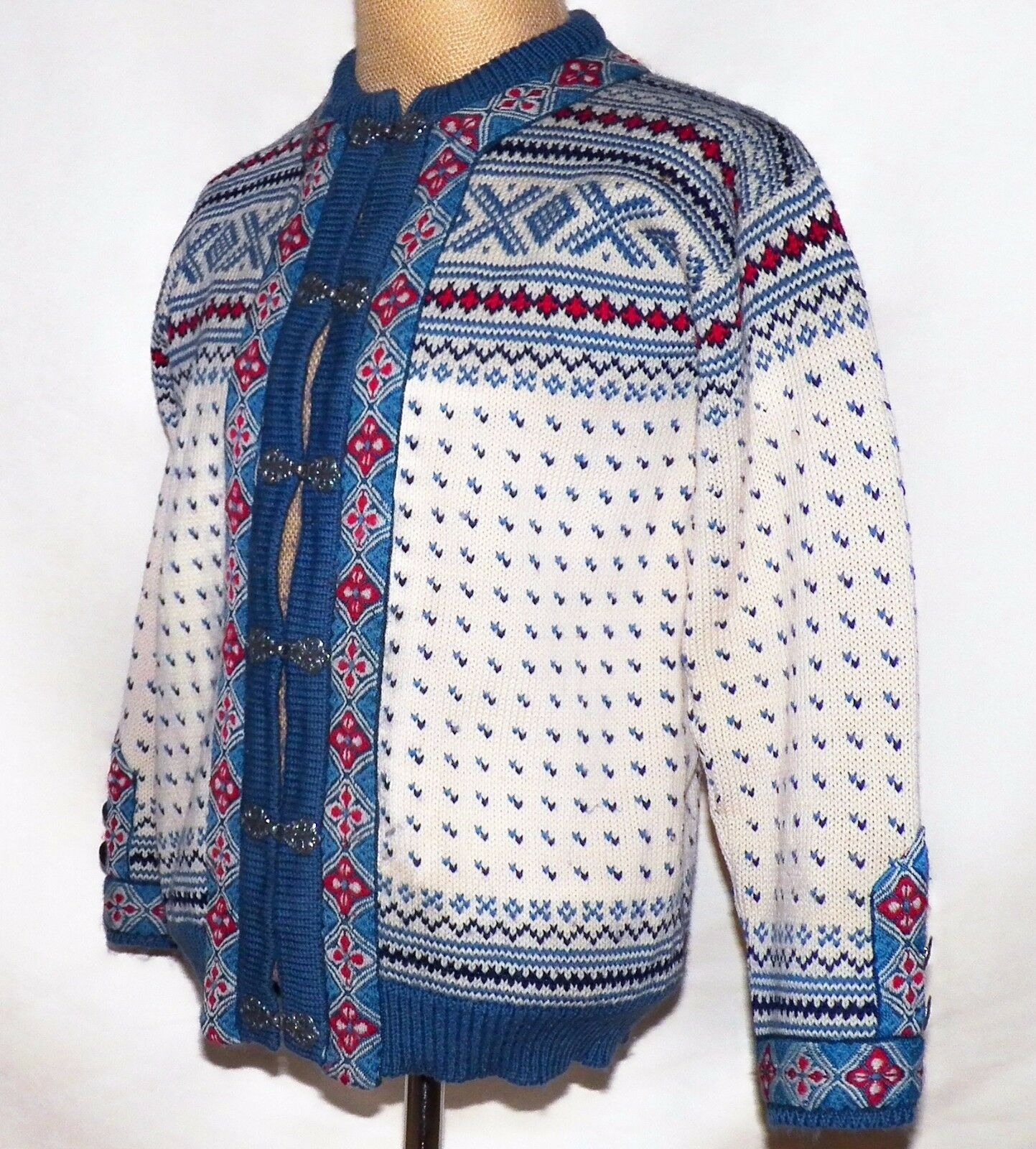 Dale of Norway Ivory bluee Nordic Setesdal Cardigan Sweater Pewter Clasps 44 L