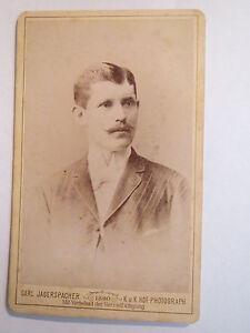 Gmunden-OO-1890-Mann-im-Anzug-Portrait-CDV