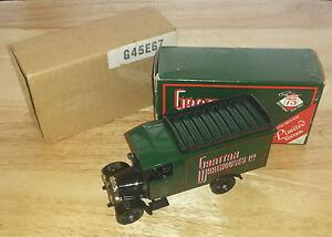Corgi-C859-5-Grattan-75th-Birthday-Thorneycroft-Van-Limited-Edition-Model