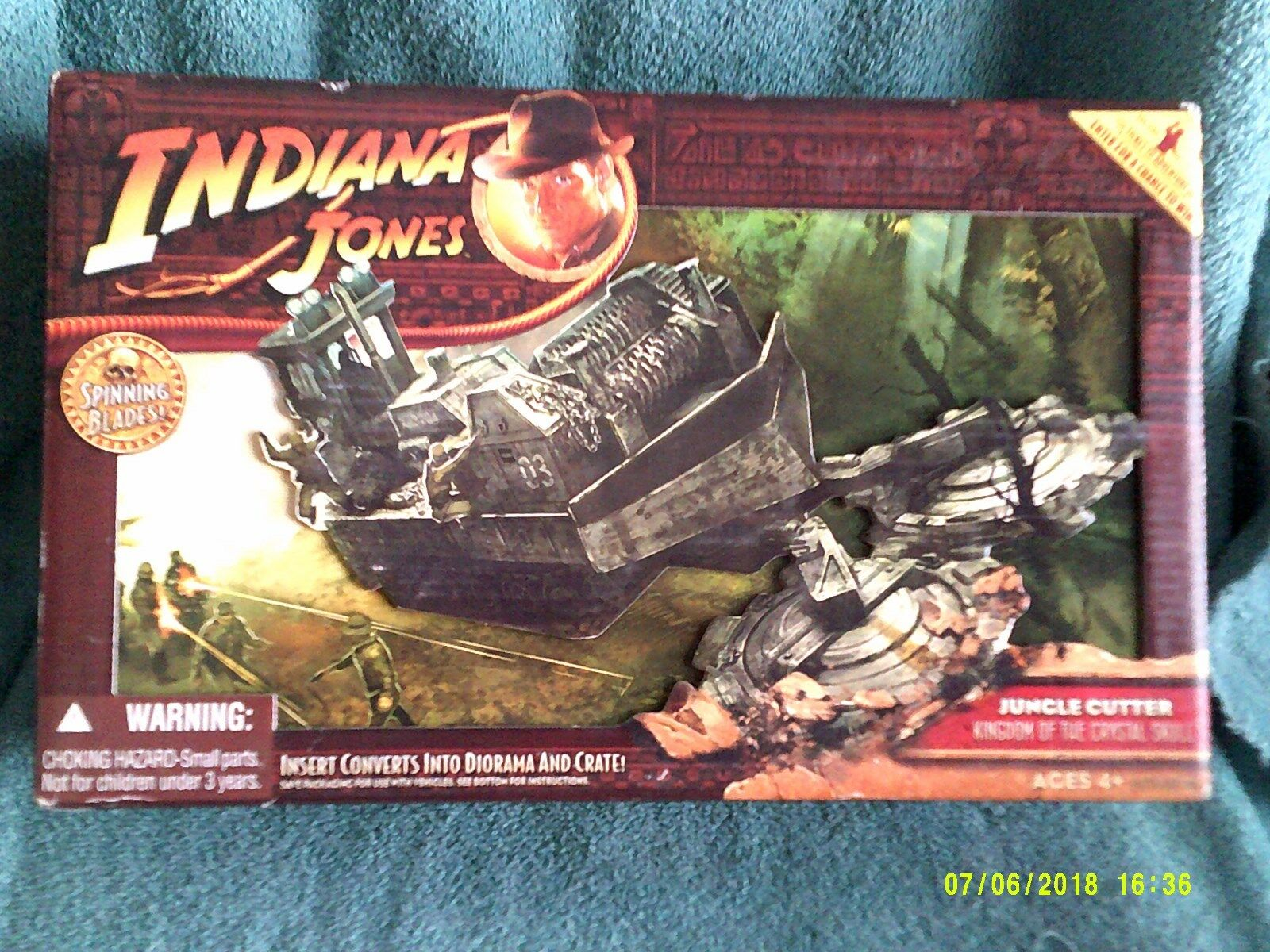 INDIANA JONES JUNGLE CUTTER  ACTION PLAY SET.   Playset  -NEW- Sealed