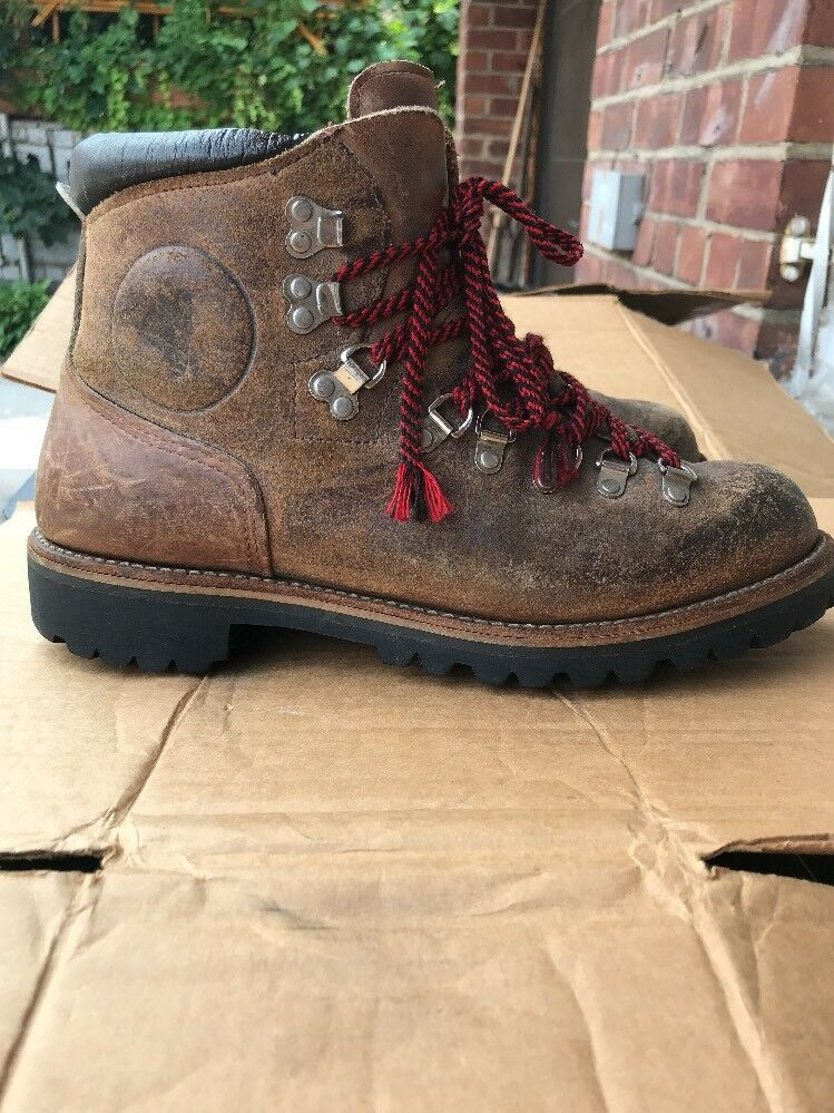 Vintage Vasque Leather Hiking Mountaineering Boot Sz 9.5 Made in U.S.A.