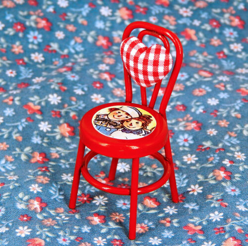 1//12th Scale Dollhouse Miniature Raggedy Ann /& Andy Child Chair Red Heart Back