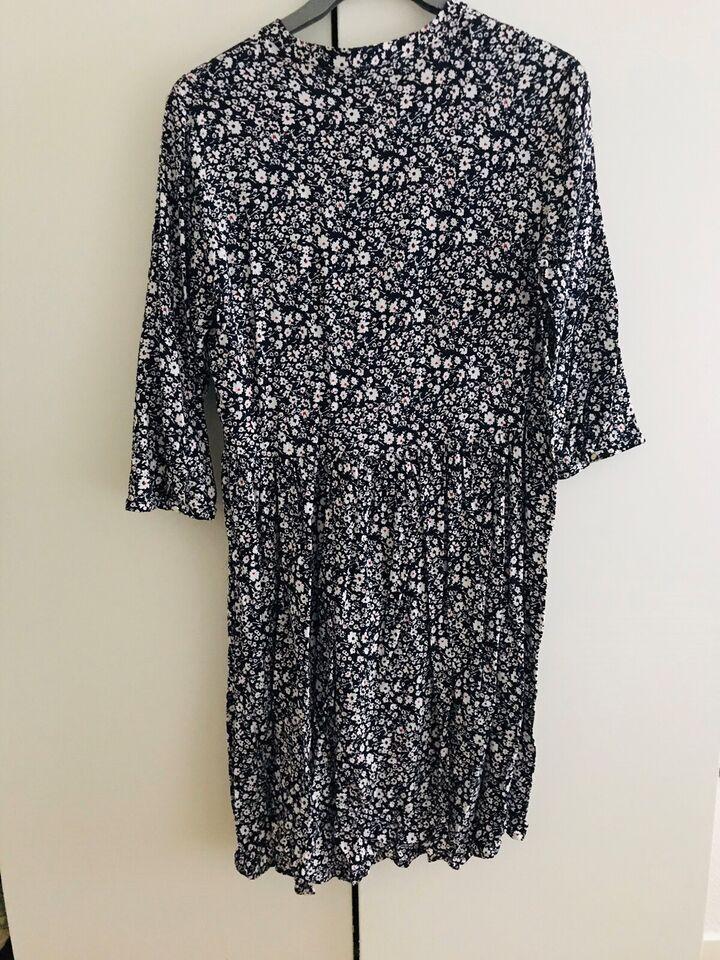 Anden kjole, Fransa, str. L