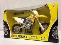 2010 Suzuki Rm-z450 Motorcycle, Replica 1:6 Diecast Collectible, Ray Toys Yl
