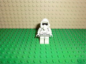 LEGO-Star-Wars-Scout-Trooper-Black-Head-9489-with-weapon