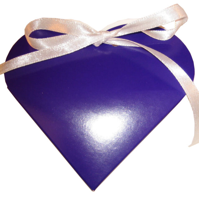 English Wedding Favours Heart Style Favour Boxes Heavily Discounted