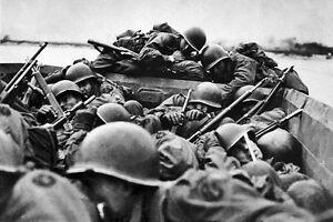 New-5x7-World-War-II-Photo-Soldiers-Cross-the-Rhine-River-Under-Heavy-Fire