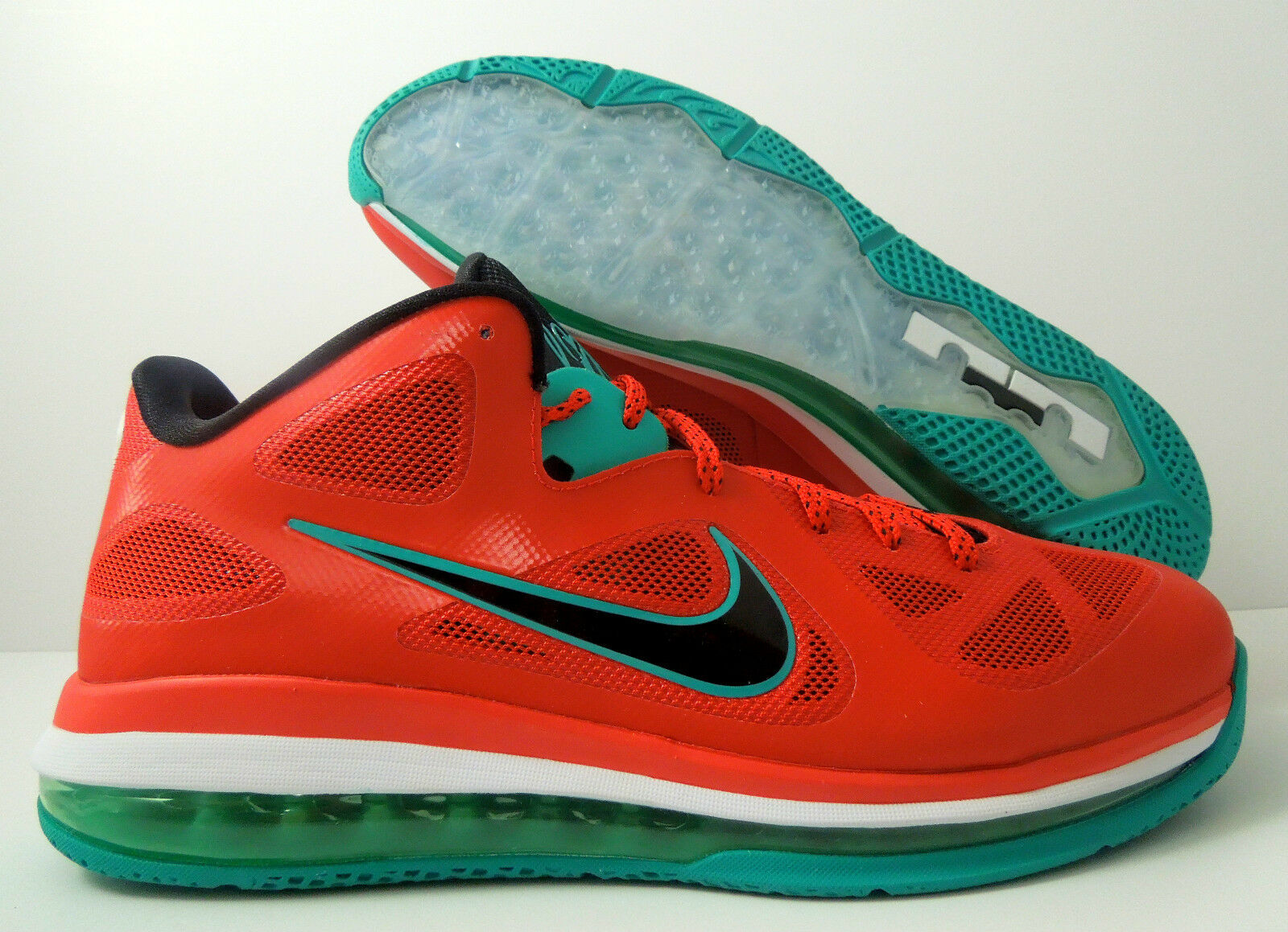 NIKE LEBRON 9 LOW LIVERPOOL CHRISTMAS ACTION RED-GREEN SZ 10 [510811-601]