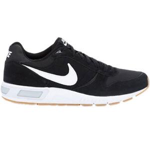 Nike Nightgazer Formateurs Noir Des Hommes Blancs