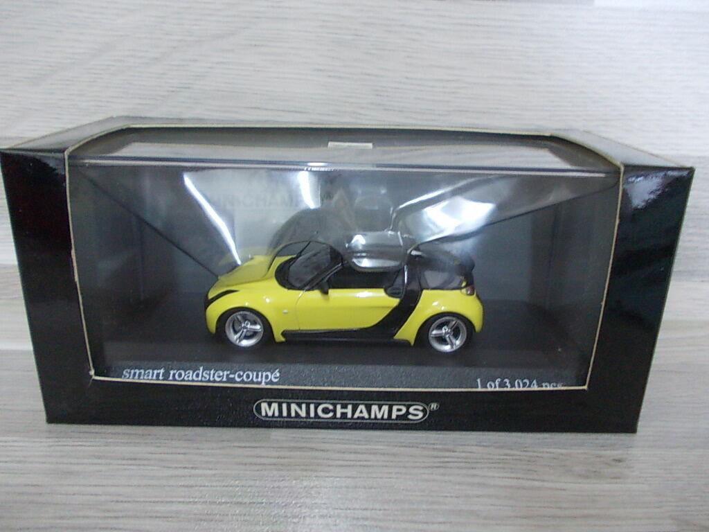 Minichamps 1 43 - Smart roadster coupé 2003  yellow
