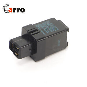 oe 81980 22060 turn signal flasher relay 3 pin for toyota camry rh ebay com toyota flasher relay diagram toyota flasher relay location