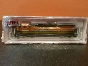 N-SCALE-ATLAS-48701-DASH-8-40B-BNSF-8601-NEW