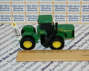 ERTL John Deere 4WD TRACTOR Plastic with Diecast Chassis #35121 *NEW BULK ITEM*