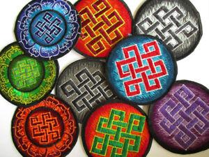 Aufnaeher-PATCHES-8-cm-Endloser-Knoten-Shrivatsa-Buddhaknoten-Endless-knot-ewiger