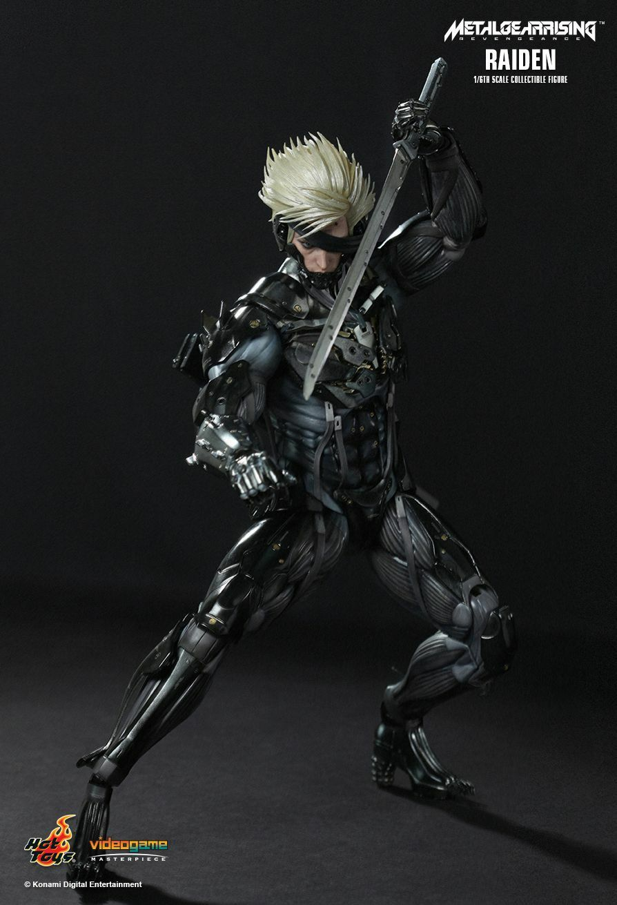 HOT TOYS 1/6 METAL GEAR RISING: REVENGEANCE VGM17 RAIDEN ACTION FIGURE