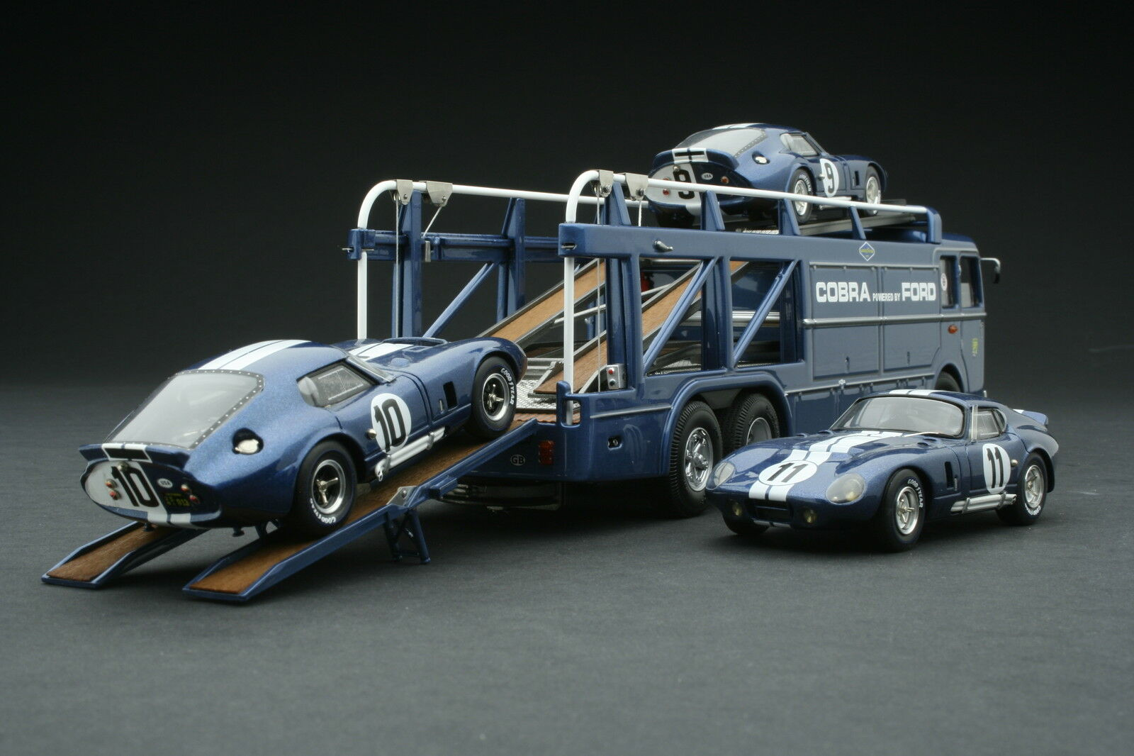 Exoto 1965 Shelby American Cobra Transporter   Le Mans   1 43    EXO00017BGS1