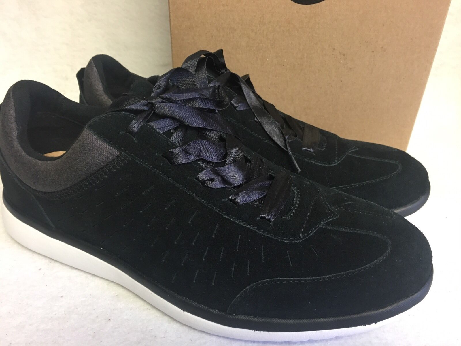 Ugg Australia Victoria Lace-up Suede Sneaker Ribbon Black 1017011 sizes