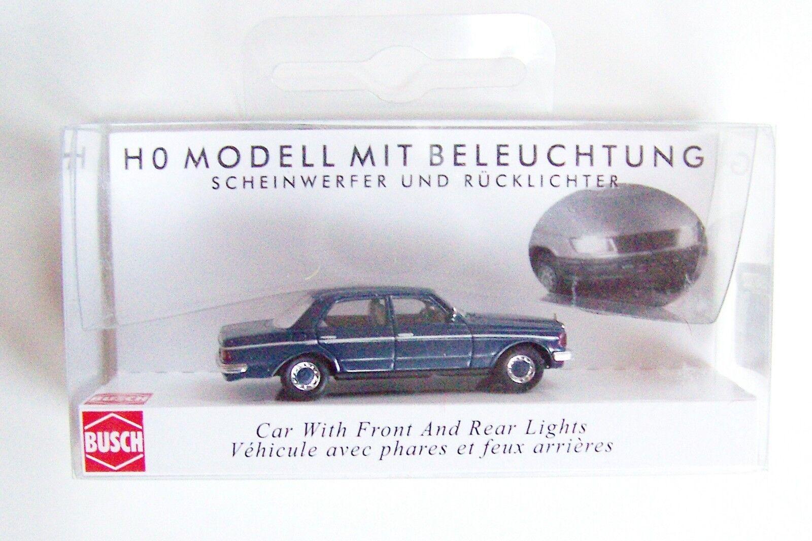 Busch-5661 H0 PKW Mercedes-Benz W 123 beleuchtet